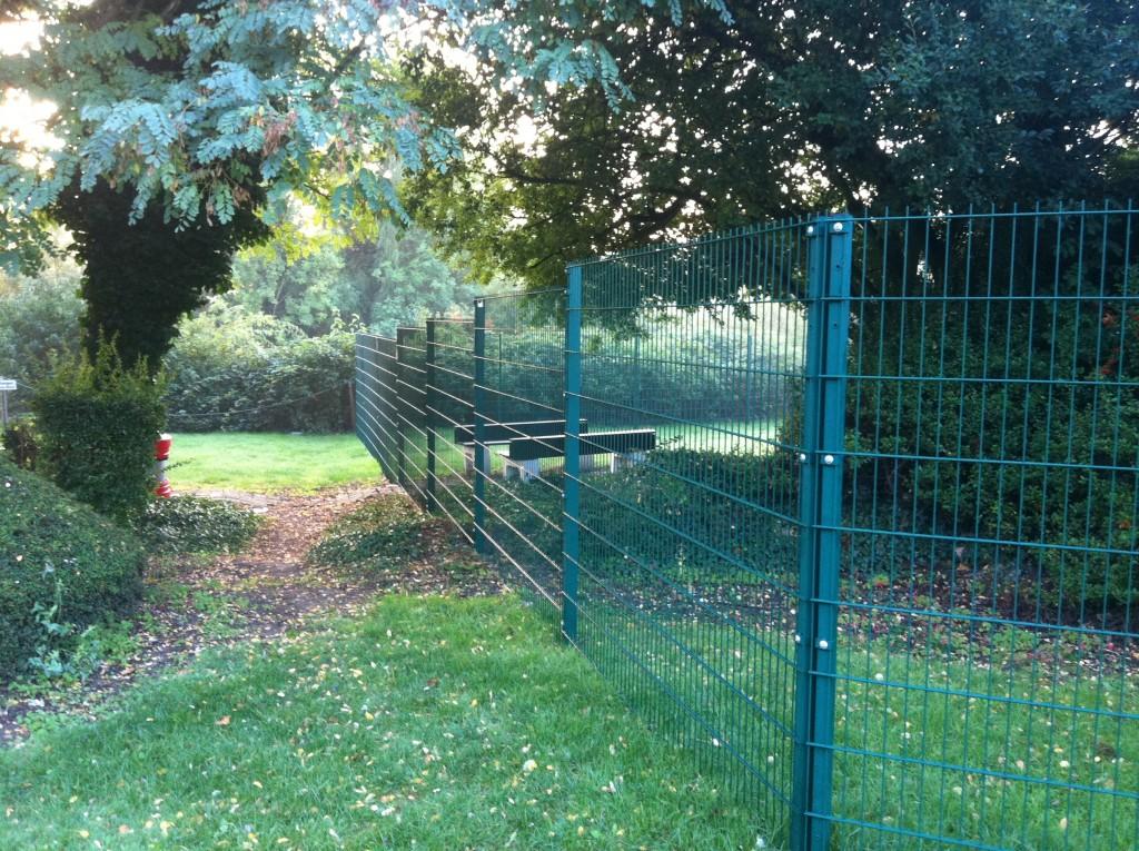 Moore Fencing - UK Construction Online