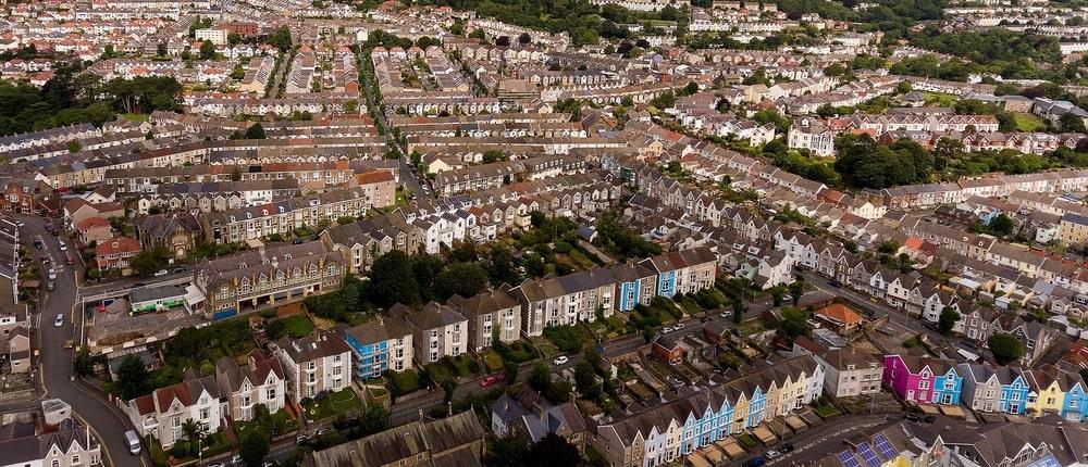Welsh housing minister addresses housing report - UK Construction Online